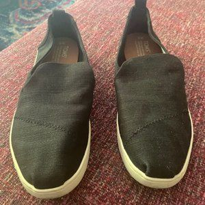 TOM's Black Canvas Shoes